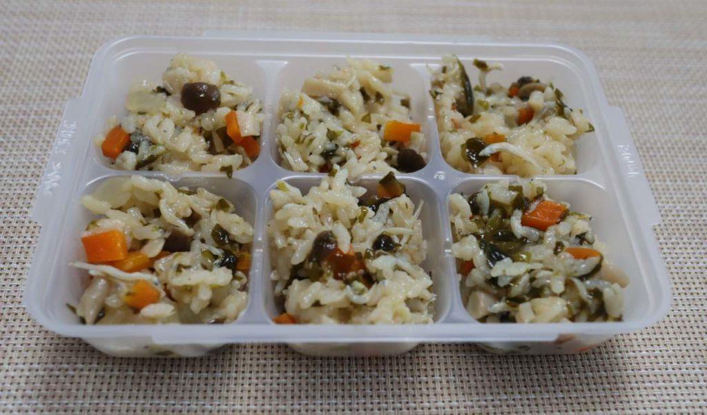 ホットクックで作る離乳食:しらすとわかめの炊き込みご飯の出来上がり